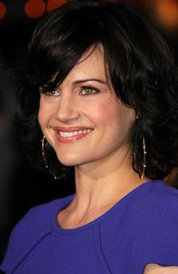 Carla Gugino Gold Hoop Earrings