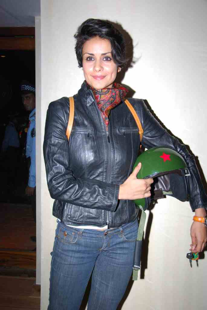 Gul Panag on Bullet1 - Gul Panag riding Bulet Motorcycle