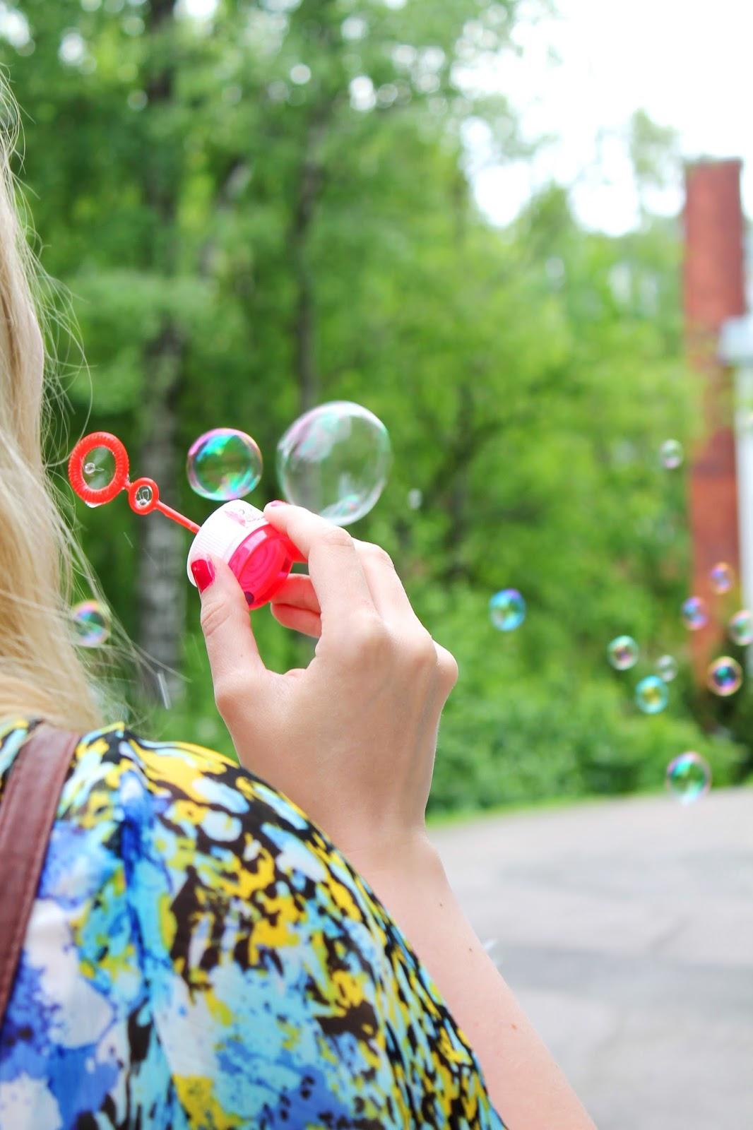 Rainbow bubbles | Alinan kotona blog