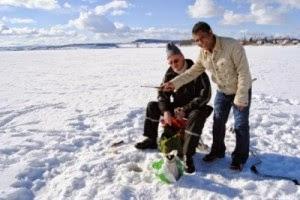 Mengapa Kalau Laut Atau Danau Yang Membeku Menjadi Salju Hanya Bagian Atasnya Saja