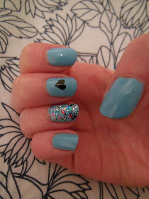 coachella manicure finished look
