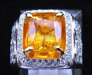 perhiasan batu permata ya benda yang indah batu alam yang menggoda