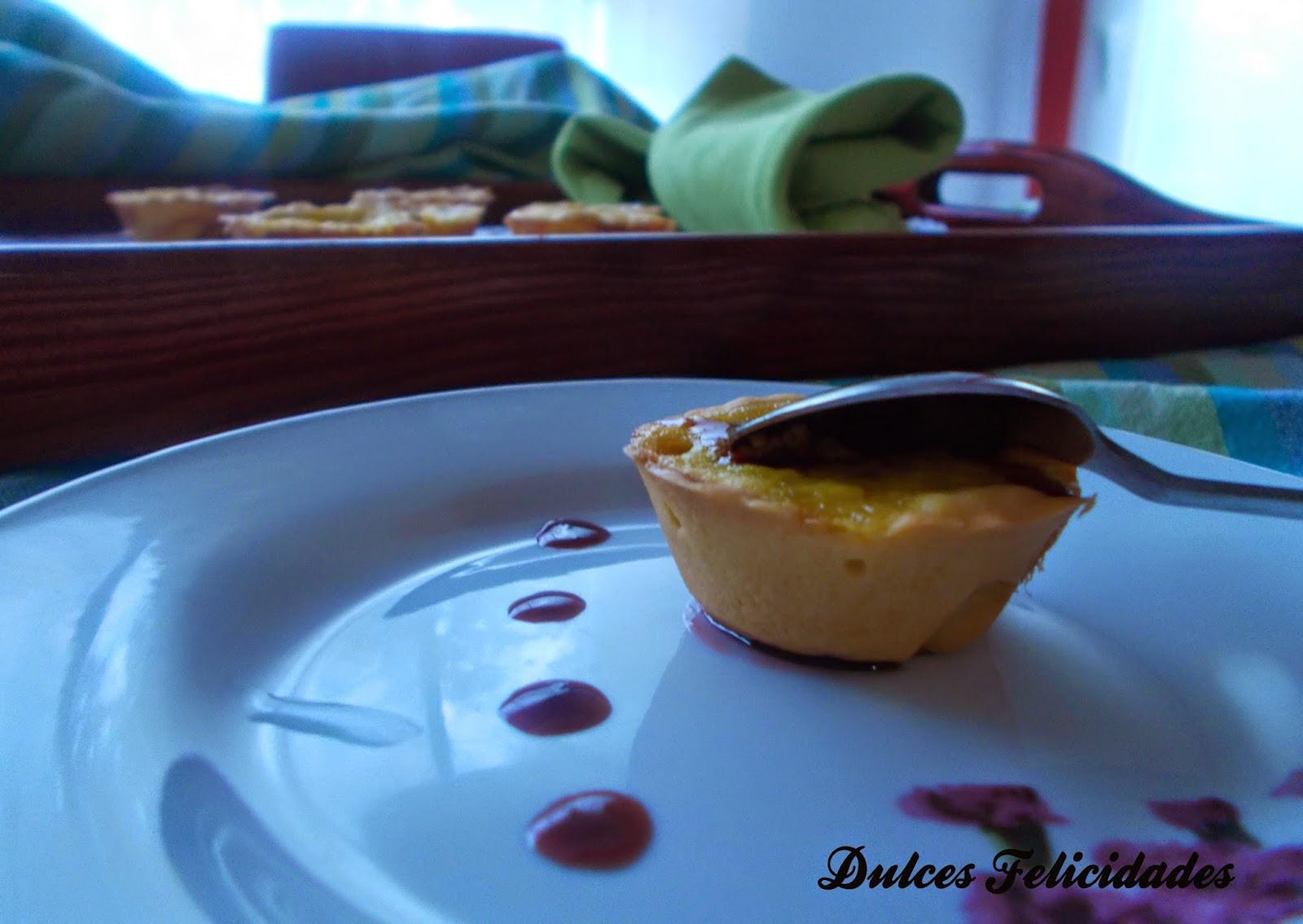Tartaletas de peras al vino tinto