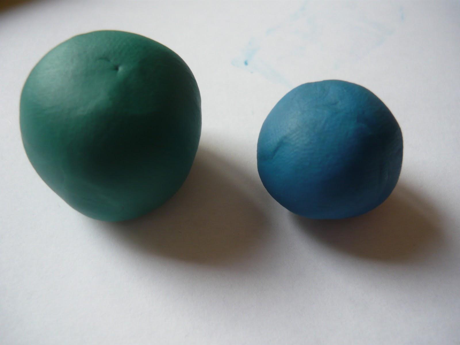 Как сделать из пластилина мячики