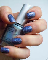 http://cathenail.blogspot.fr/2013/02/nail-art-inverse.html