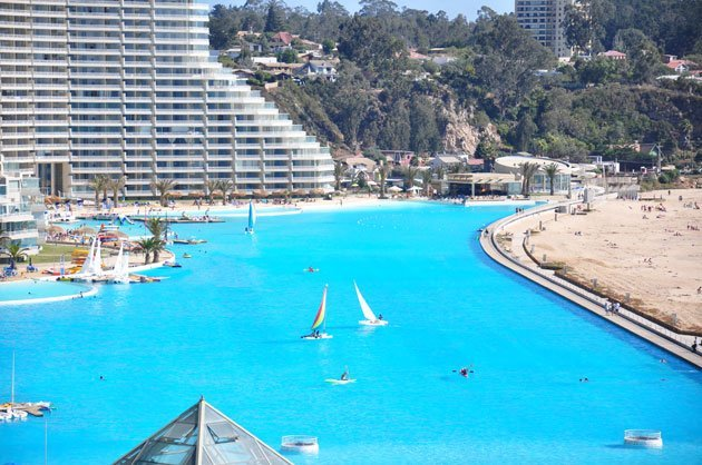 Kolam Renang Outdoor Terbesar Di Dunia [ www.BlogApaAja.com ]