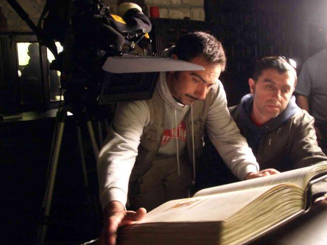 Víctor Tejedor preparando rodaje en interior