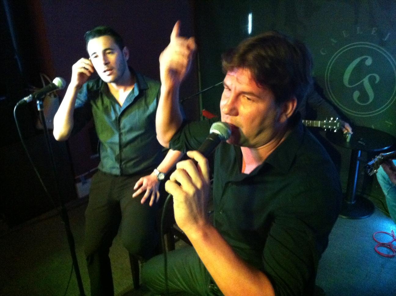 El duo andy y lucas durante una actuación en directo