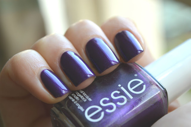 Essie Sexy Divide swatch