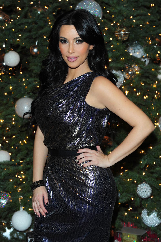 Kim Kardashian Dark Hair Color 02