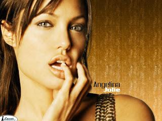 ممثلة الاغراء انجلينا جولي