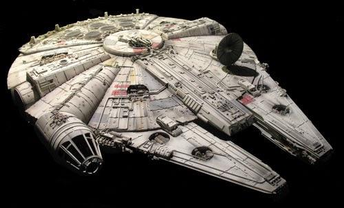 Star Wars: episódio VII  Millennium Falcon aparece no set