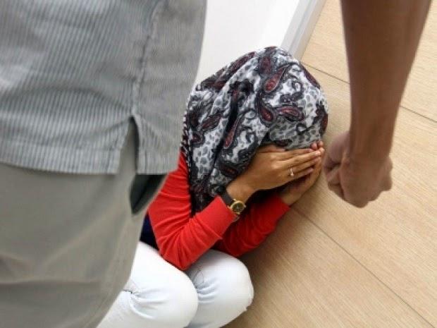 Gadis 24 Tahun Hampir Dir**0L di Seremban http://apahell.blogspot.com/2014/12/gadis-24-tahun-hampir-dir0l-di-seremban.html