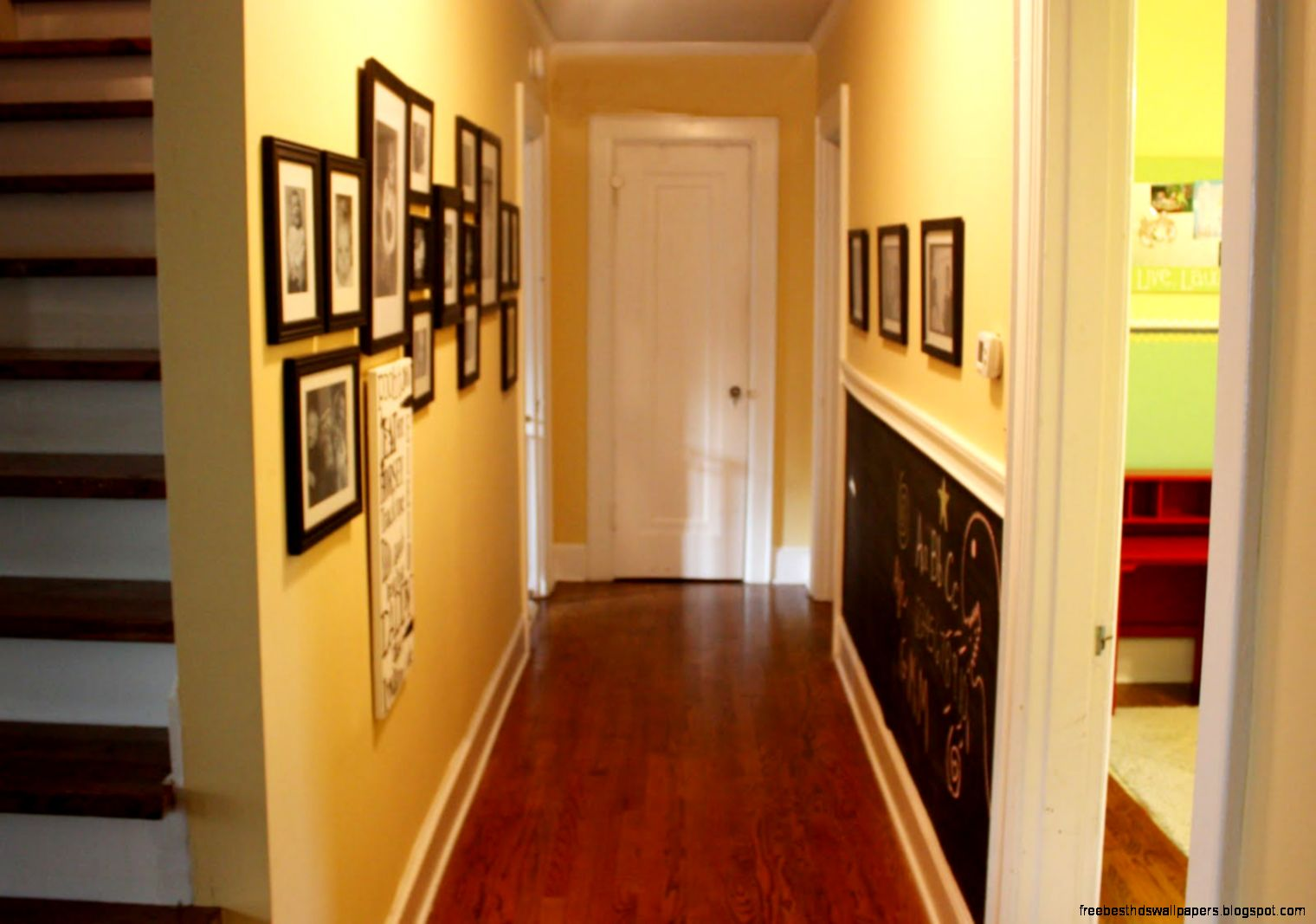 Hallway wall ideas free best hd wallpapers for Hallway wall decor