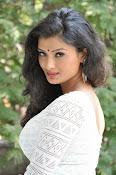 Ishitha Vyas sizzling pics-thumbnail-11