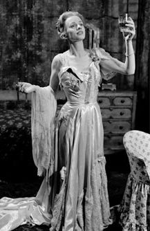 an analysis of blanche du bois in a streetcar named desire by tennessee williams Blanche dubois a streetcar named desire secured tennessee williams's place in the pan-theon of american playwrights as with many of williams's works, a streetcar named desire contains overt and subtle autobiographi-cal elements.
