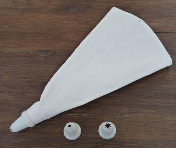 Le blog de magouille tutoriel comment utiliser une poche - Fabriquer poche a douille ...