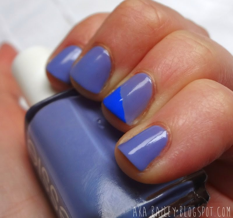 Two-toned color blocked blue nails