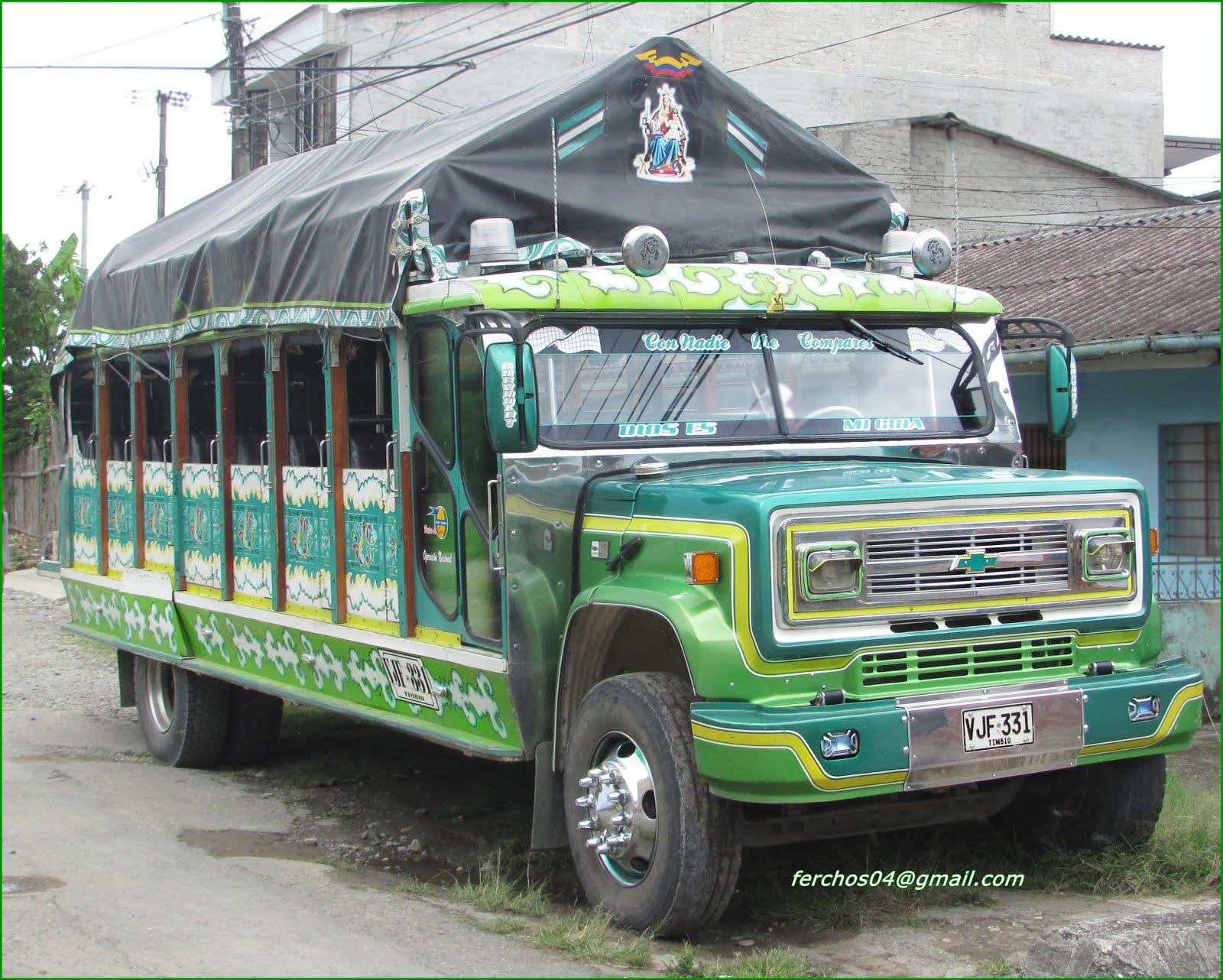 AUTOBUSES, CAMIONES Y CHIVAS DE COLOMBIA