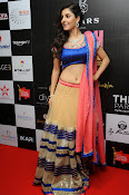 Isha talwar latest glam pics-thumbnail-14