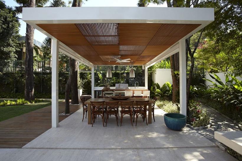 Terrace in The Morumbi Residence by Drucker Arquitetura