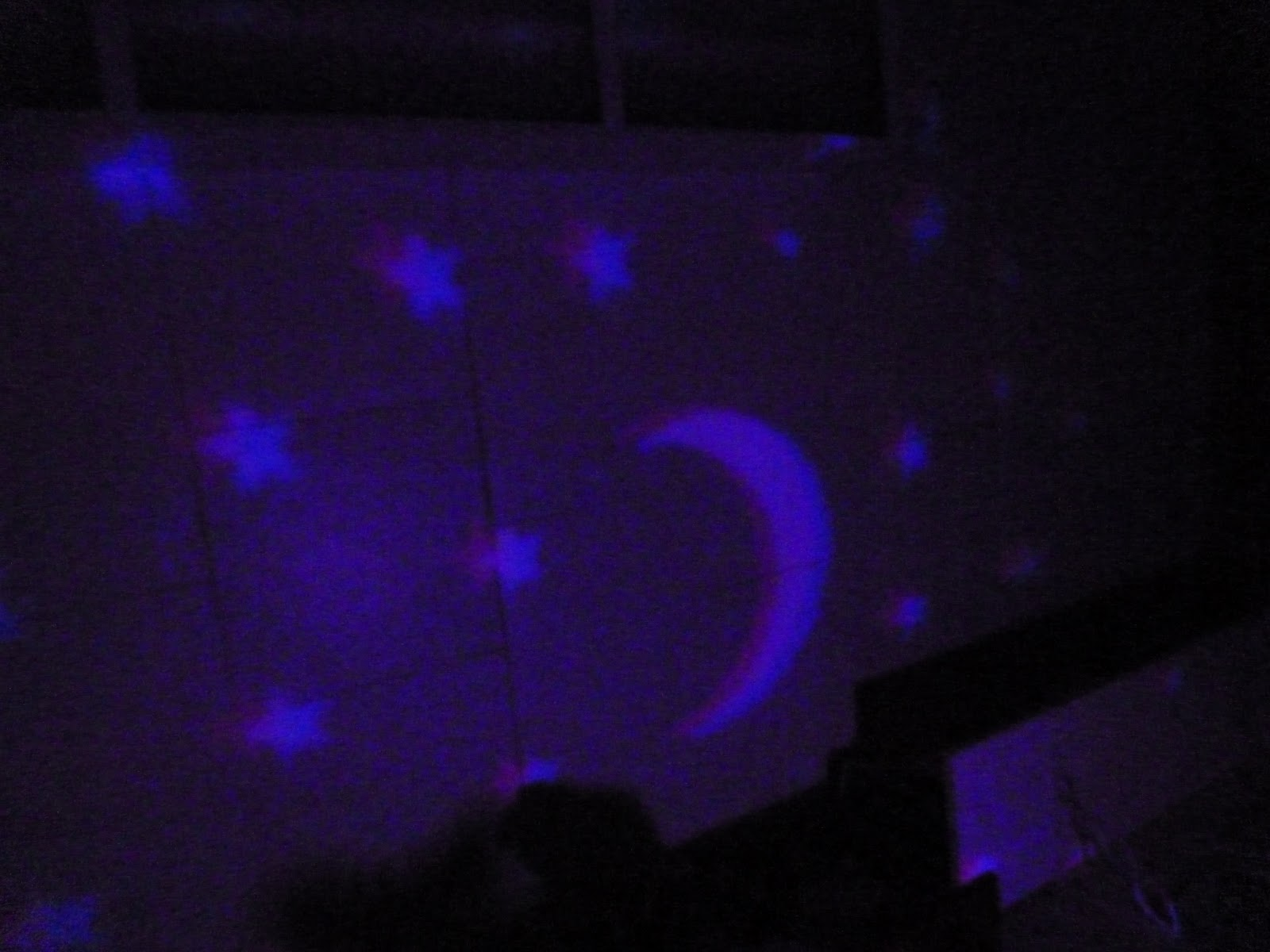 At the Fence: Baby Shower Kickoff! Vick's Starry Night Humidifier! #2A08B3
