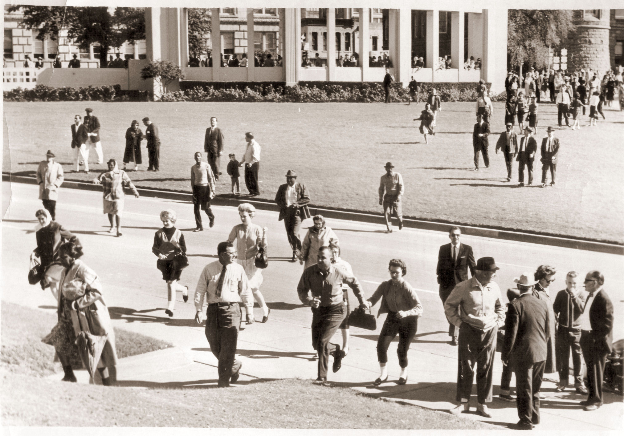 November-22-1963-Dealey-Plaza-Dallas-Tex