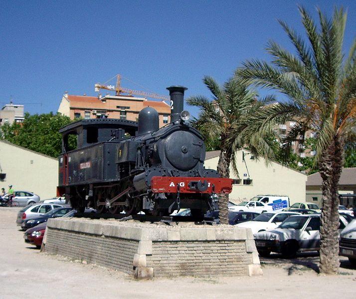 Locomotora número 2, Villalonga, situada a la plaça d'Al-Azraq d'Alcoi