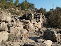 Murs de pedra seca en el Bosc de la Cortada