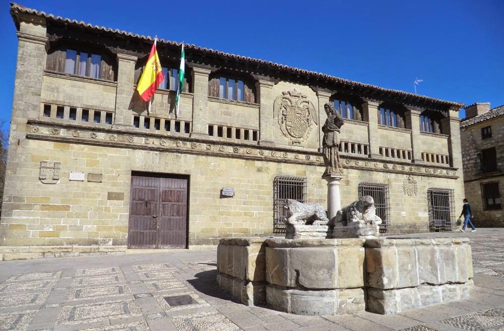 baeza plaza populo