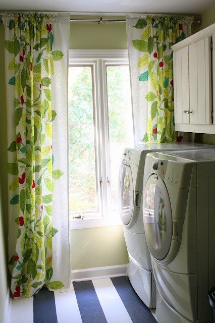 Laundry Room Ideas by Designer Trapped in a Lawyer's Body {www.designertrapped.com}
