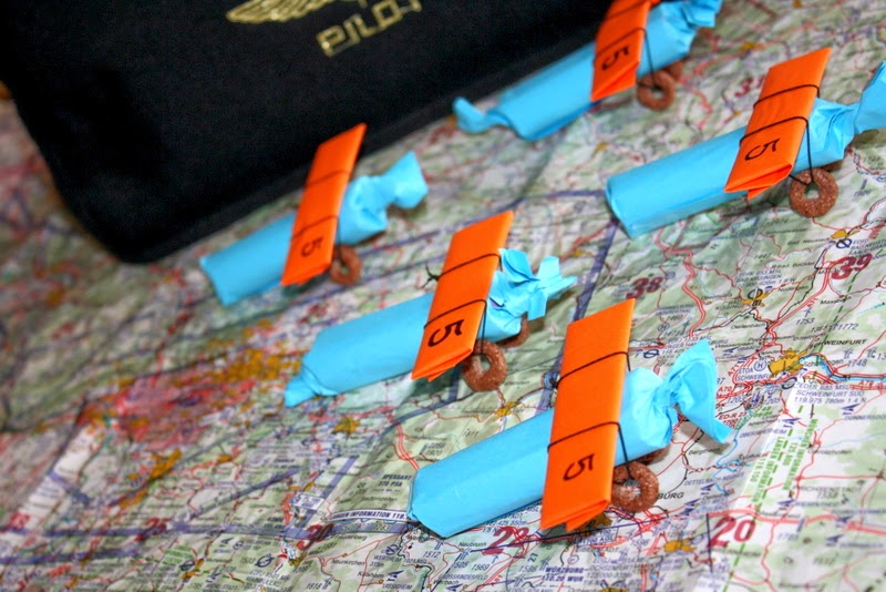 Chocolate and Chewing gums wrapped as Planes