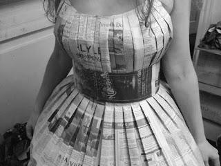 Pakaian Dari Koran