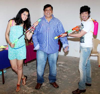 'Chashme Baddoor' star cast celebrates Holi