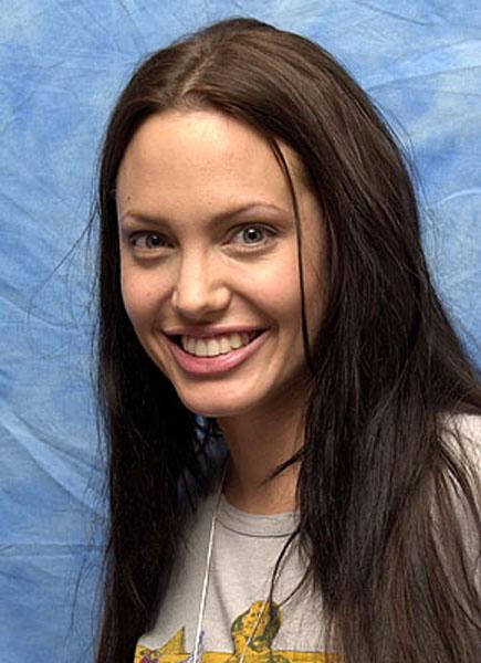 Hollywood Actress Angelina Jolie Without Makeup New Photos - Without Makeup