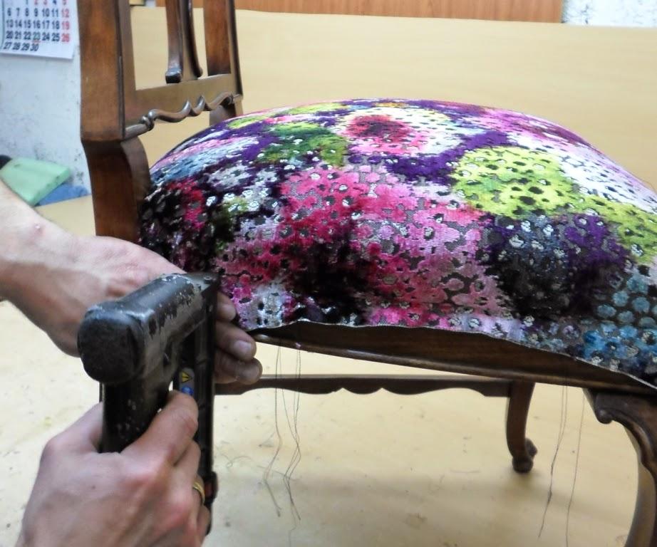 proceso de tapizado con la tela definitiva