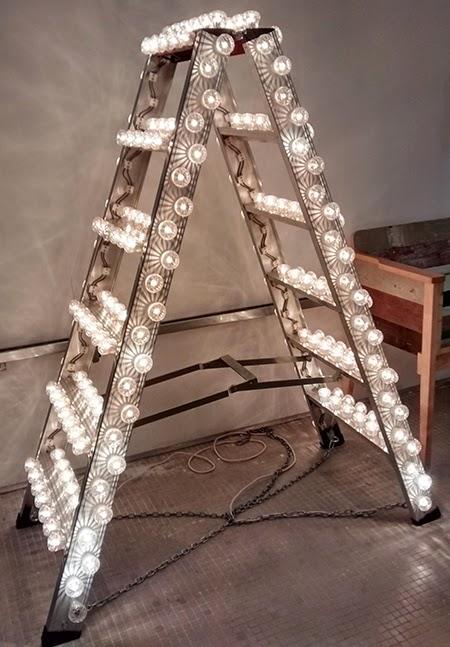 escada de luzes