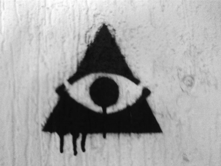 Illuminati Triangle: Image by NecioStencil