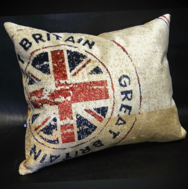 Диванные подушки: Британская печать - интерьер в стиле колледж
