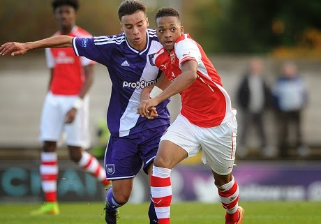Arsenal seal Chris Willock deal