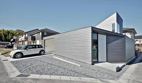 Future House Designs : Minimalist and Future House Design In Nagoya Japan With Silver Metal ...