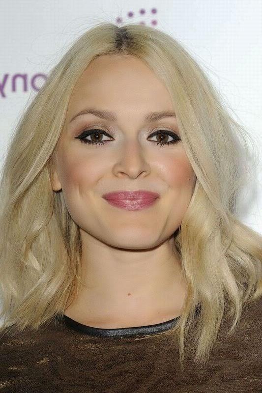 Halflang Blond Haar op Pinterest Halflange Blondine en  - Halflange Kapsels Blond
