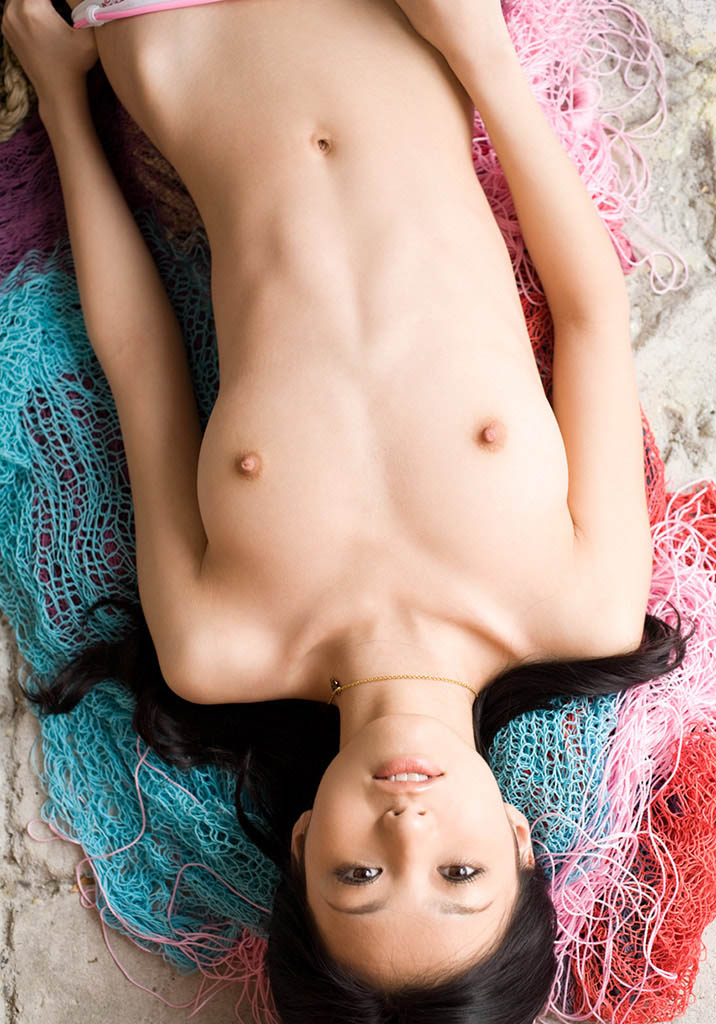 aino kishi sexy breast photo 01