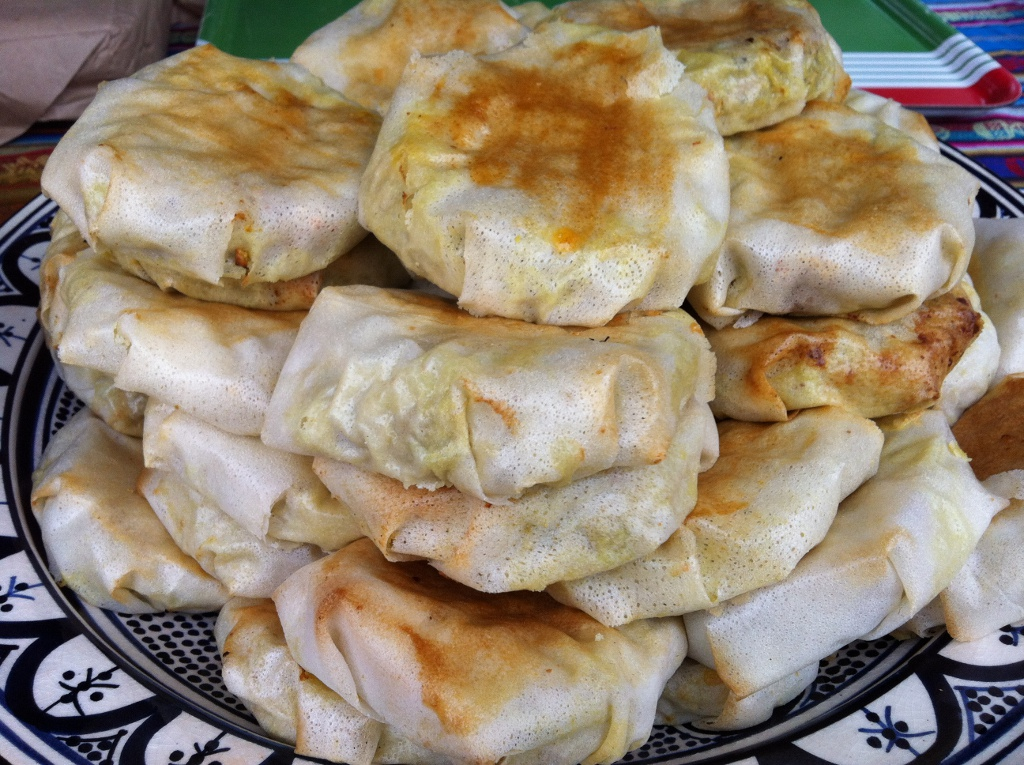 Bastilla traditional moroccan meat pie moroccan chef - Moroccan cuisine recipes ...