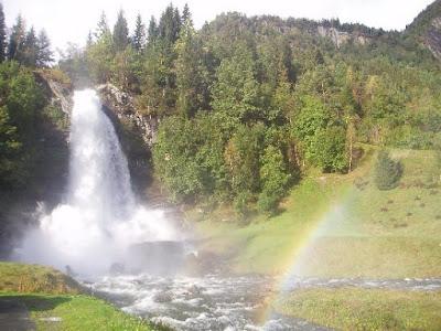 Steinsdalsfossen waterfall
