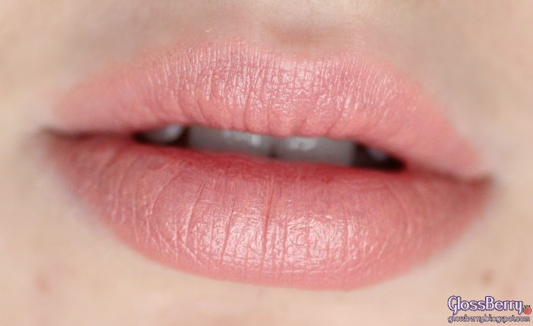 givenchy le rouge 102 beige plume review swatches glossberry beauty blog גלוסברי בלוג איפור וטיפוח סקירה שפתון ג'יבנשי ניוד בז' ליום ליום