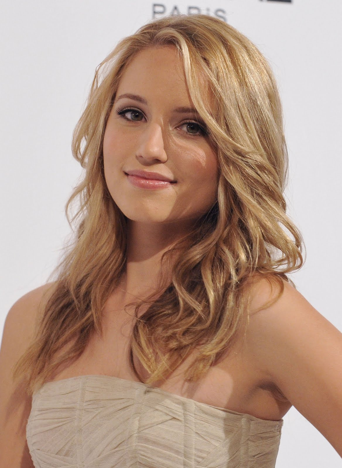 Dianna Agron Beauty Trendy Long Hairstyle title=