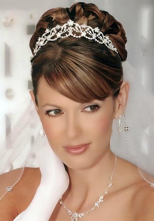 Peinados de novia con tiara y velo [FOTOS] Ella Hoy - Peinados Con Tiaras Para Bodas