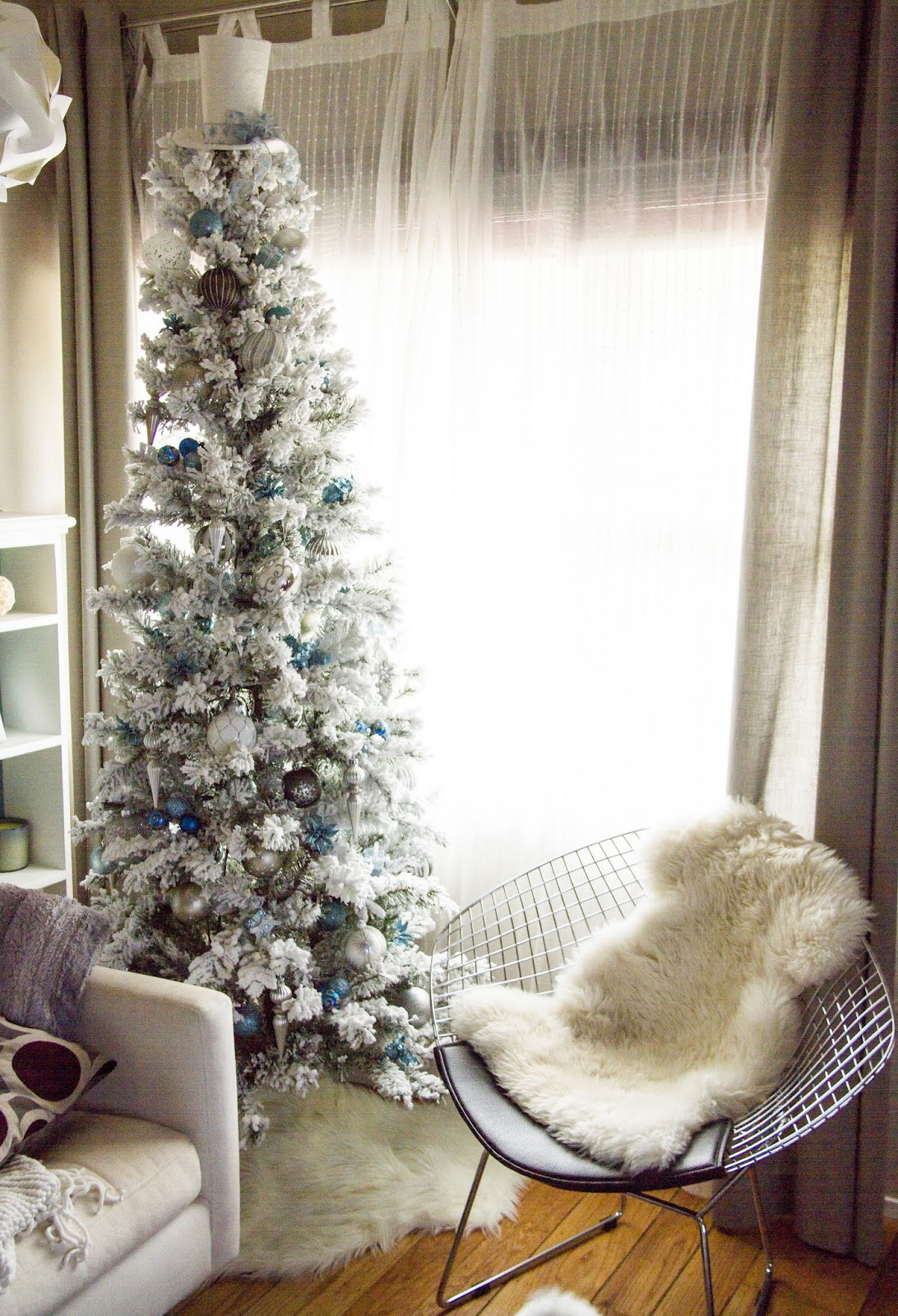 SwingNCocoa: White Christmas Tree