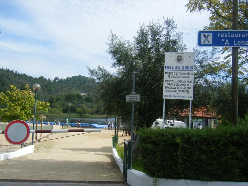 Entrada da Praia Fluvial de Ortiga